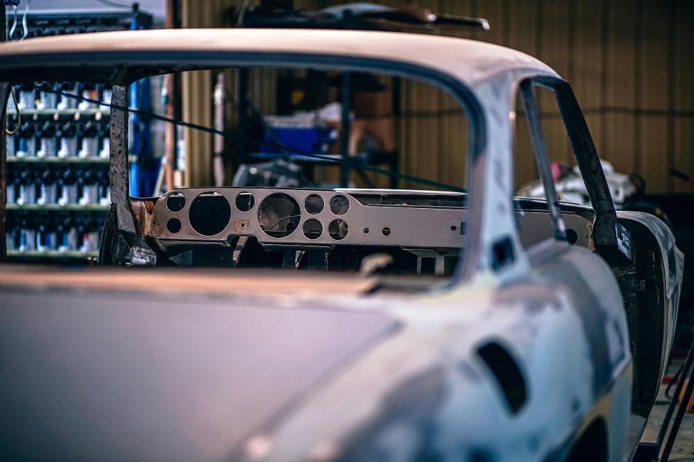 auto en el taller