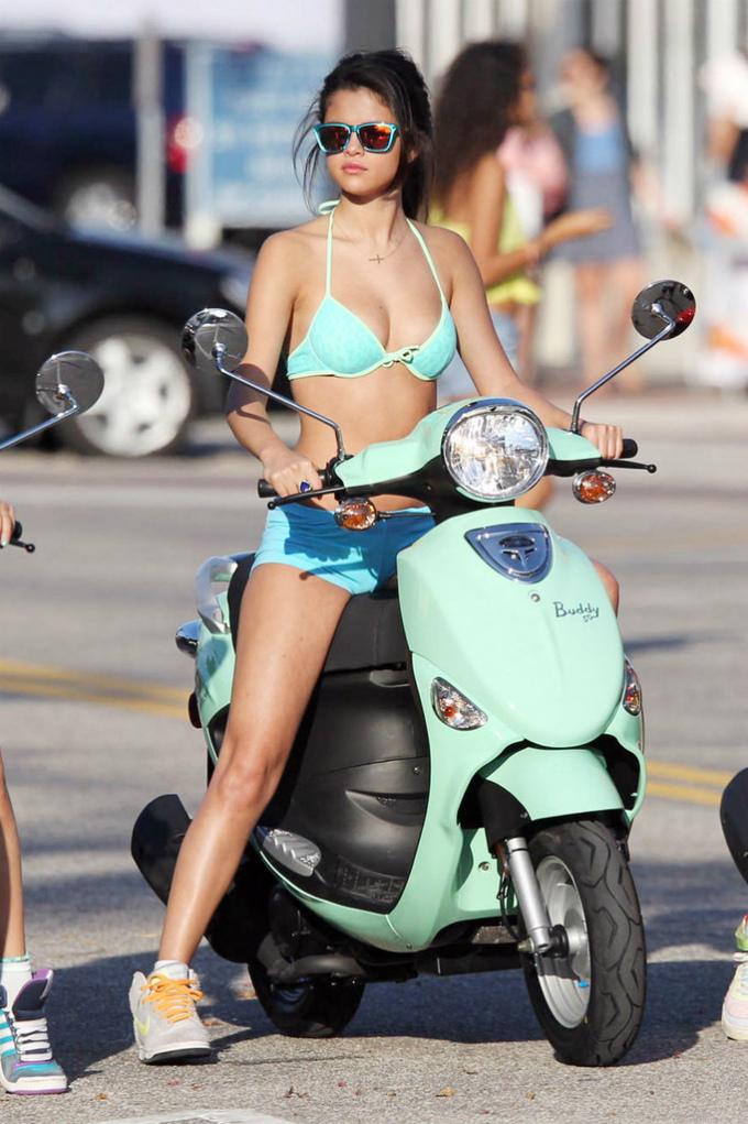 Subasta De Autos >> Autos Selena Gomez Car   Atraccion360