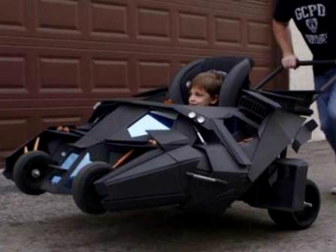 Batim vil evoluci n atraccion360 for Silla coche batman