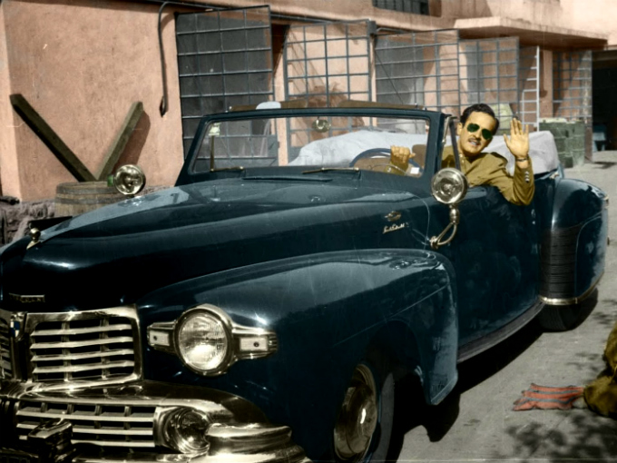 Pedro Infante y su vehículo Lincoln