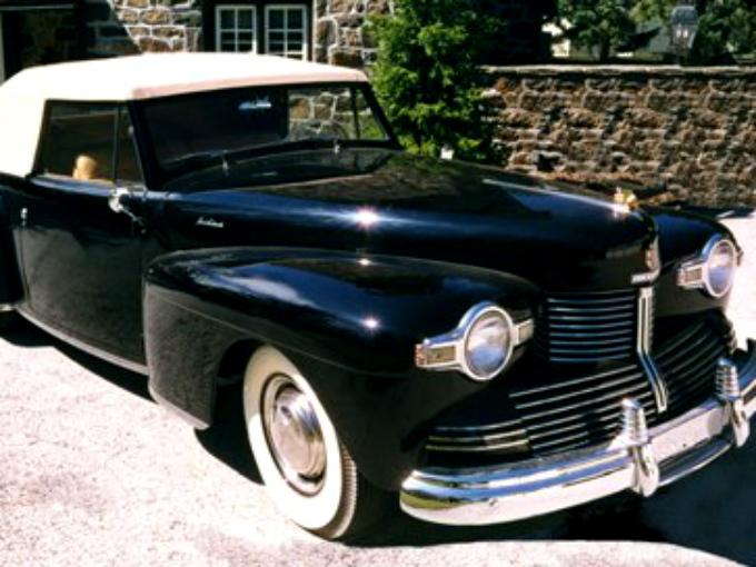 En general, el vehículo era más largo, más ancho y más bajo. La producción de los vehículos modelo 1942 se vio interrumpida por la entrada de América en la Segunda Guerra Mundial. Fotos: Autos Clásicos Mexicanos Fb