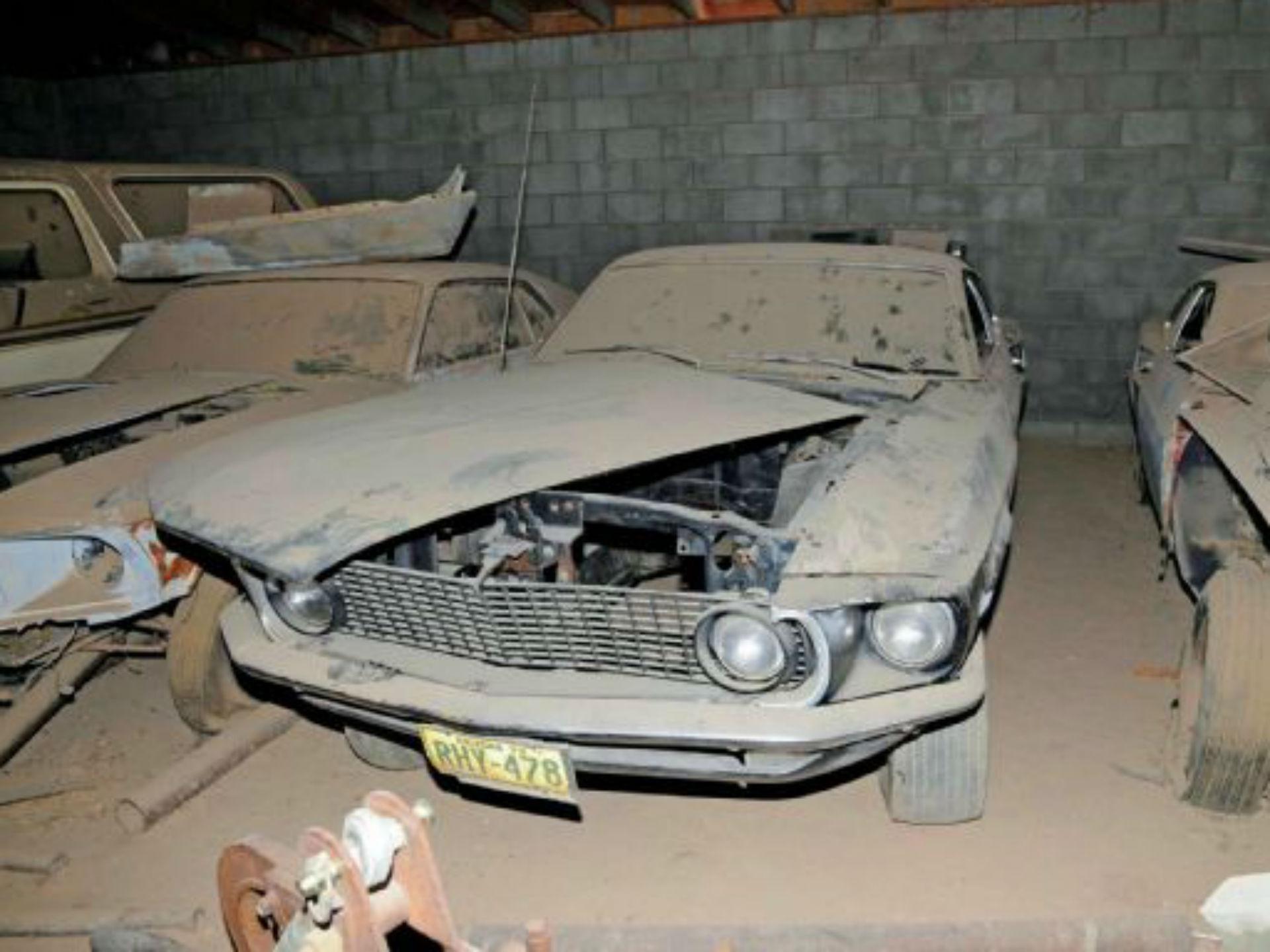 Un Mustang Mach 1 perteneciente a la compilación de Neil, quien no sólo procuraba restaurarlos sino mudar ciertos motores por 428. Foto: Mustang and Ford