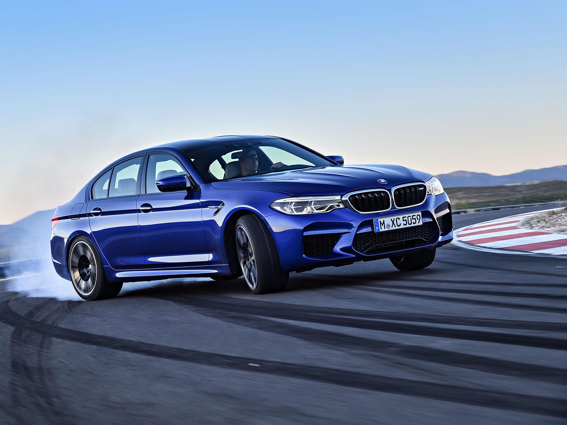 El BMW M5 hace su aparición presumiendo la imagen deportiva de la división racing y, por primera vez, tracción integral. Foto: BMW