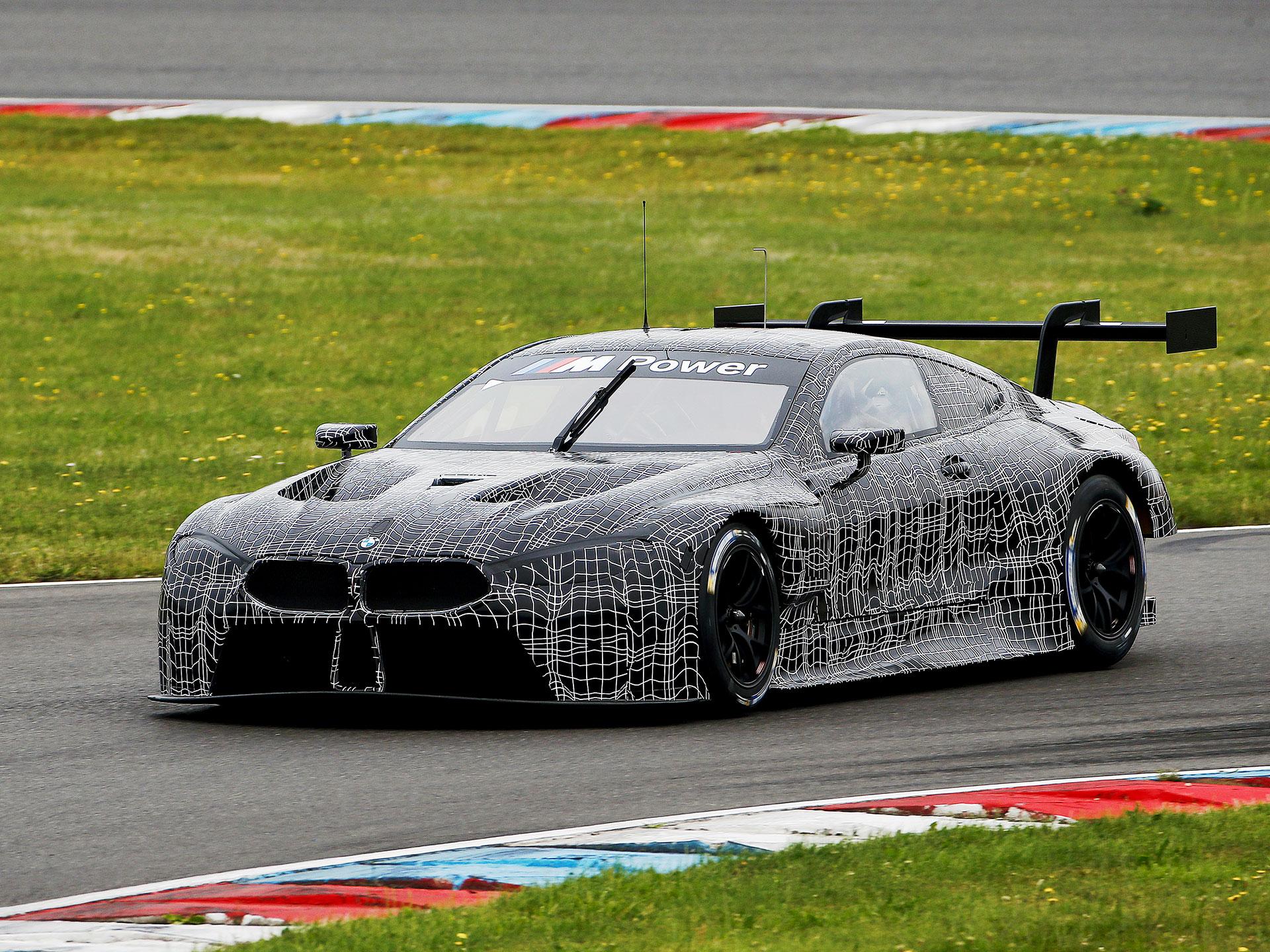 Desarrollado para competir en las carreras GT, sera el laboratorio de pruebas para desarrollar el tren motriz del Serie 8. Foto: BMW