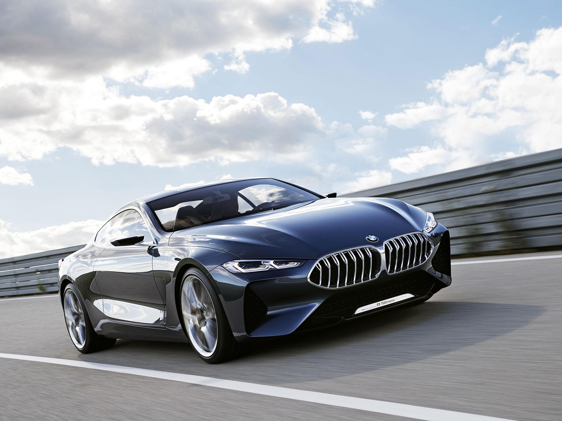 Presentado en el Concorso d'Eleganza Villa d'Este, el CONCEPT ocho SERIES otorga una visión a futuro de lo que sera el cercano gran coupé de la marca, el Serie 8. Foto: BMW