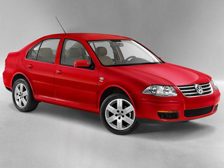 Jetta Clásico (2015), Volkswagen. Total de unidades robadas: 2,027. Costo de seguro con cobertura limitada anual más alto: ZURICH Seguros, $  9,425. Menor: GNP Seguros, $  5,651. Foto: Vw