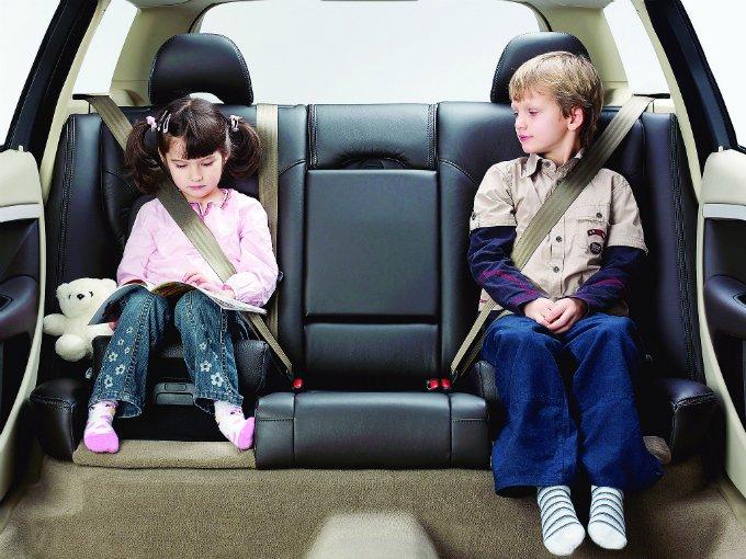 Multas a automovilistas que viajan con ni os atraccion360 for Sillas para auto ninos 7 anos