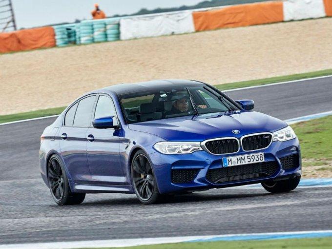 Nos enfrentamos a la nueva arma de la división de alto rendimiento de BMW, y pudimos revisar que es un vehículo que sabe almacenar la compostura... hasta que lo provocas y muestra su verdadero carácter