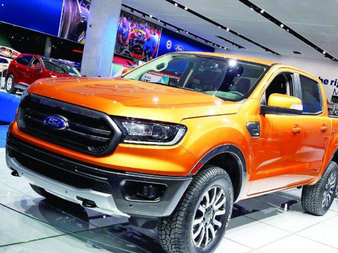 Otra vez, la marca del óvalo azul centró sus presentaciones en los modelos que estará vendiendo próximamente en las agencias: 02 camionetas y un inédito Mustang fueron los protagonistas