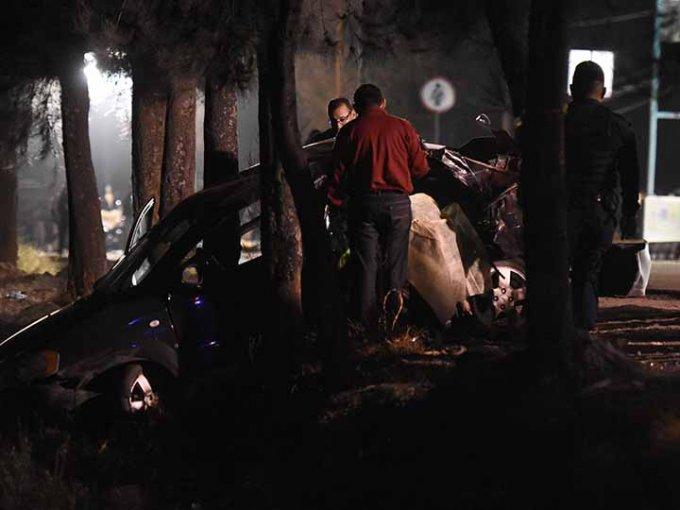 Viajaban 09 personas, las cuales fallecieron cinco. Cuatro resultaron heridas. Foto: Cuartoscuro