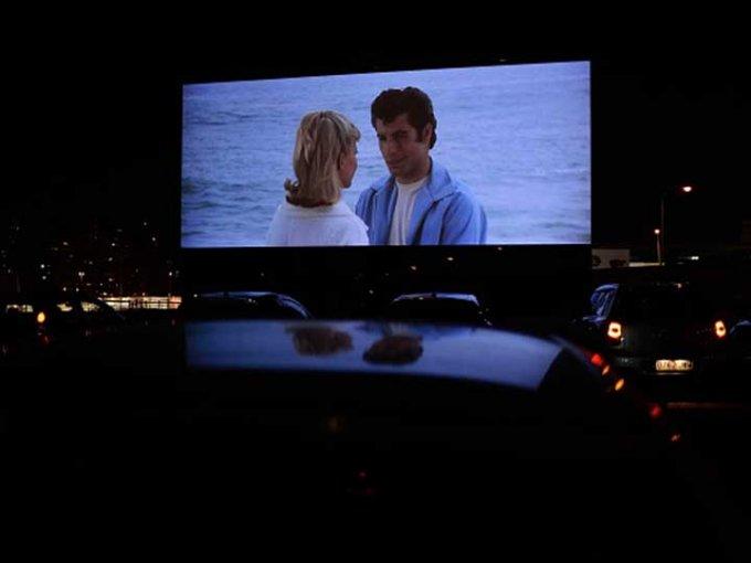 Hubo un clima en el que podíamos ir con nuestro auto, ver películas y de paso, conquistar a nuestro enamorado. Foto: Getty