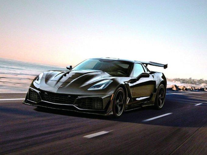 """El Corvette ZR1 2019 arrebata el título de """"el coche de producción más veloz en el VIR"""" al Ford GT"""
