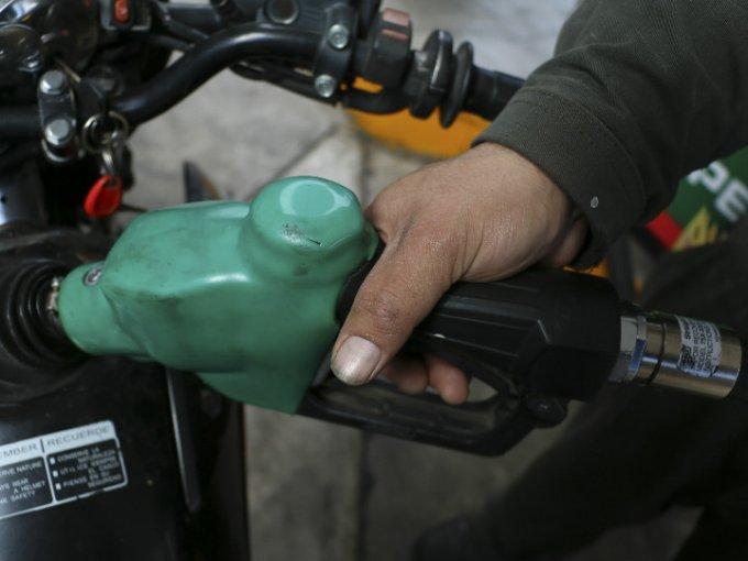 En 05 años la magna aumentó 54.5%, la premium 62.3%, mientras que el diesel  se acrecentó 59.1 por ciento. Foto: Cuartoscuro.