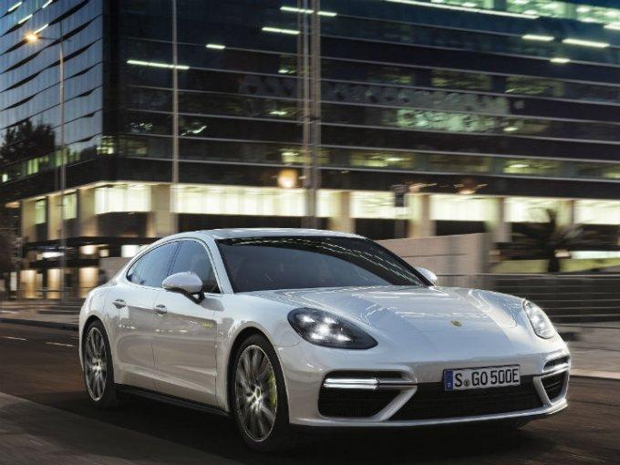 La marca alemana anunció un incremento en su inversión para el crecimiento de coches eléctricos