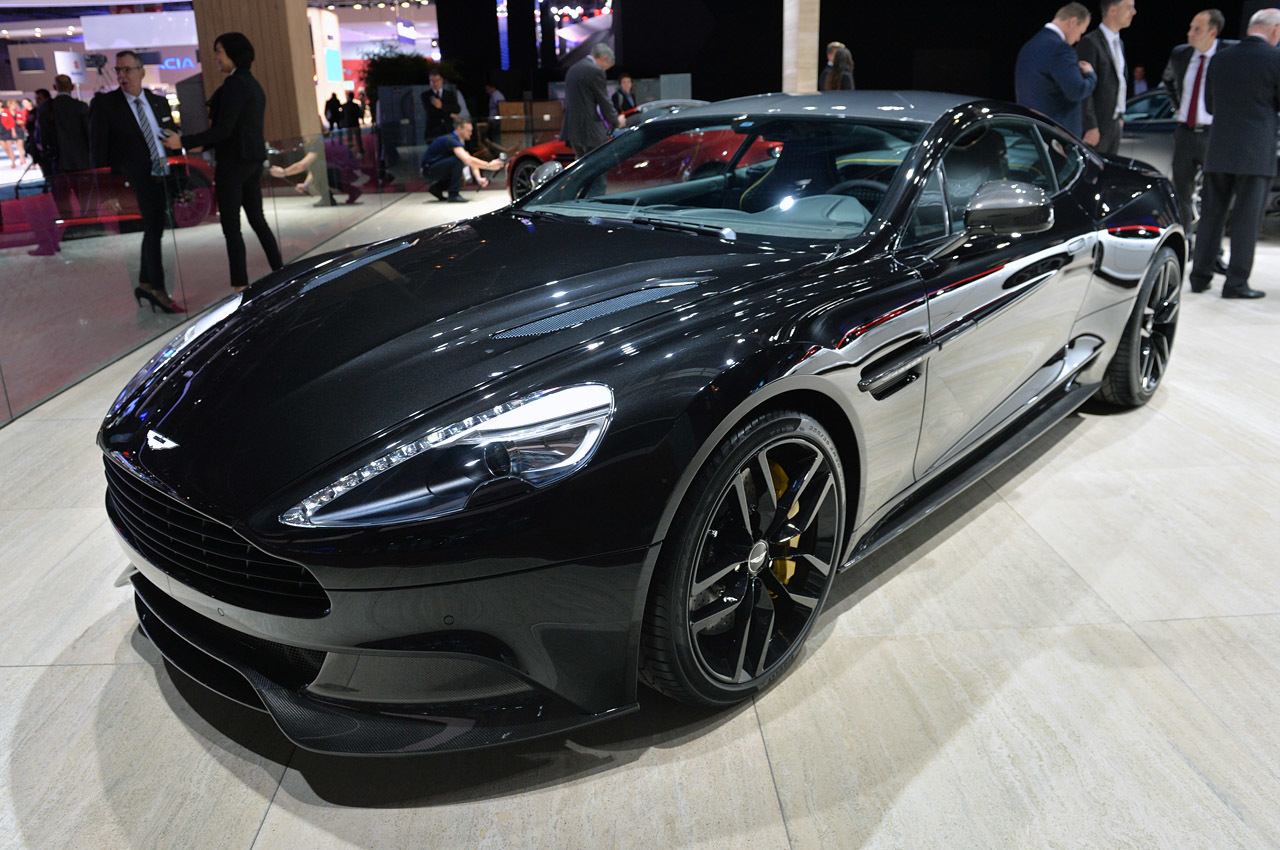 aston martin vanquish carbon edition en autoshow de par s atraccion360. Black Bedroom Furniture Sets. Home Design Ideas