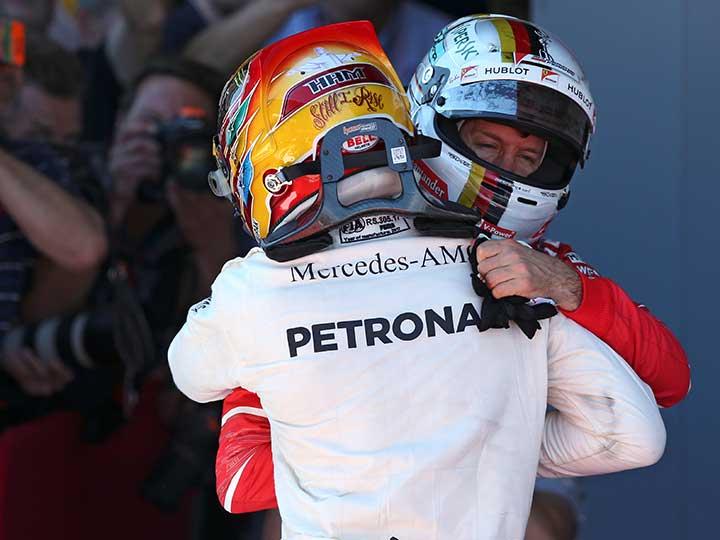 Agarrón entre Hamilton y Vettel