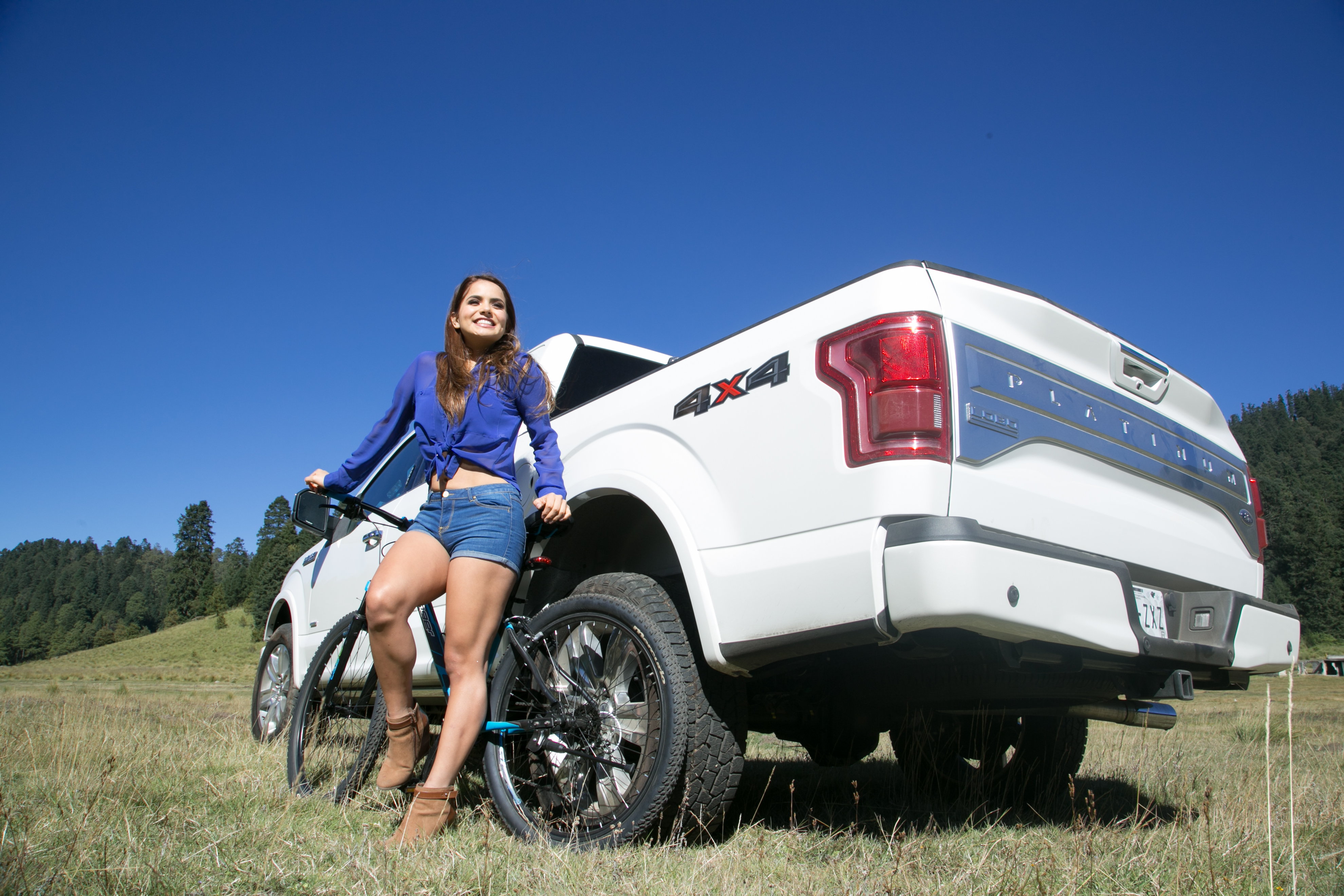 Ford lobo raptor svt 2014 se presenta en el xxvii gran concurso 2017 2018 best cars reviews