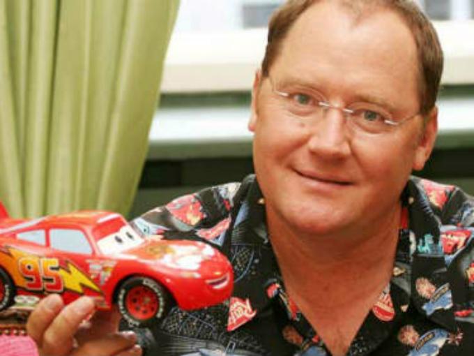 Las 02 cintas de Cars fueron dirigidas por John Lasseter, quien asimismo dirigió Toy Story, Bichos y Toy Story 2. Foto: Pixar/Cars Facebook