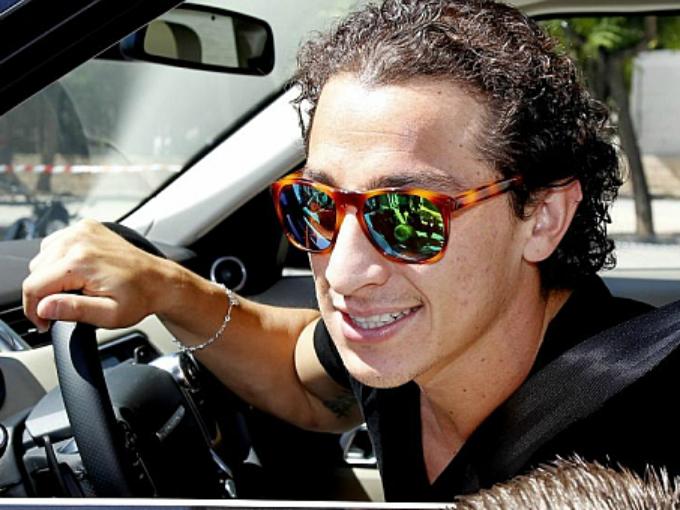 El mediocampista mexicano del PSV, Andrés Guardado, al igual que Dos Santos es fanáticos de acelerar en camionetas. Foto: especial