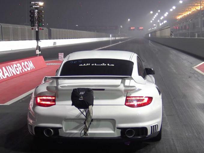 Glorioso: este Porsche 911 GT2 alcanzó los 300 km/h en 8 segundos