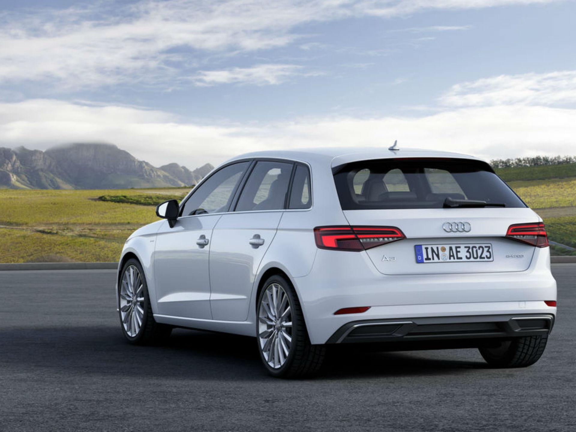 Audi A3 e-tron. La propuesta alemana de un auto eléctrico, llega en 001 de sus modelos más exitosos: el A3. Pertrecha un motor 1.4 litros turbo que produce 150 caballos de fuerza. Es conectable a la corriente y puede usar solo el motor eléctrico durante cincuenta km a 130 km/h. Foto: Audi