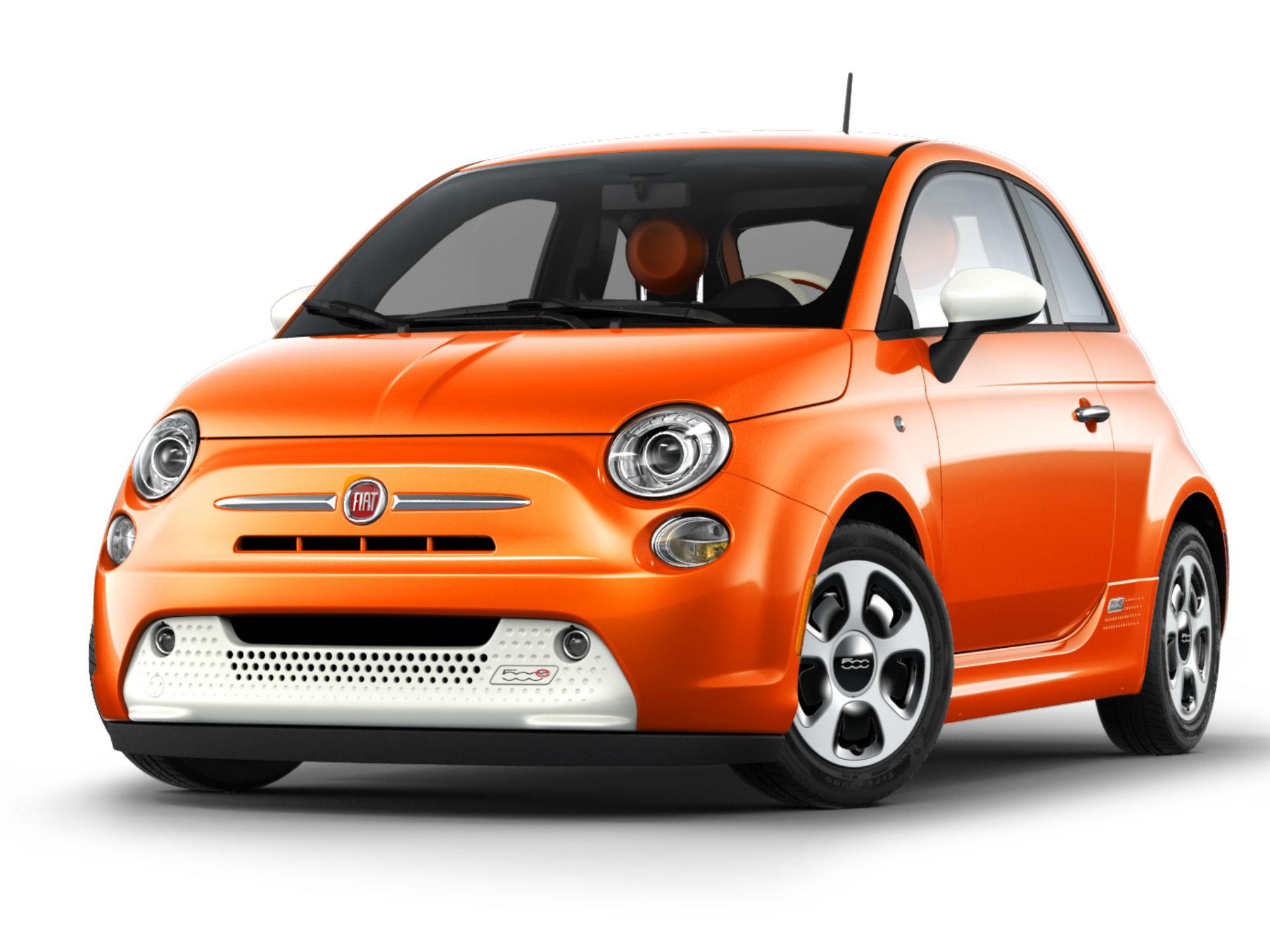 Fiat 500e. Es por muchos conocido, el pequeñito auto de la italiana FIAT. Su consumo no era precisamente excesivo en el modelo a gasolina, así que es de esperarse que 001 eléctrico sea exepcional. Pertrecha un motor eléctrico que produce 111 hp y brinda una autonomía de 128 km. Foto: Fiat