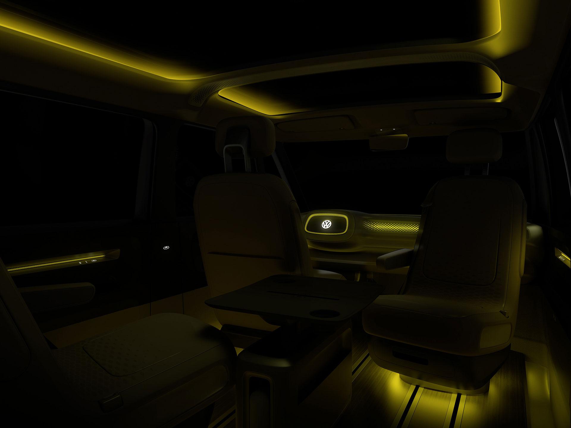 Cuenta con luces LED color amarillo para iluminar el habitáculo en la noche. Foto: Volkswagen