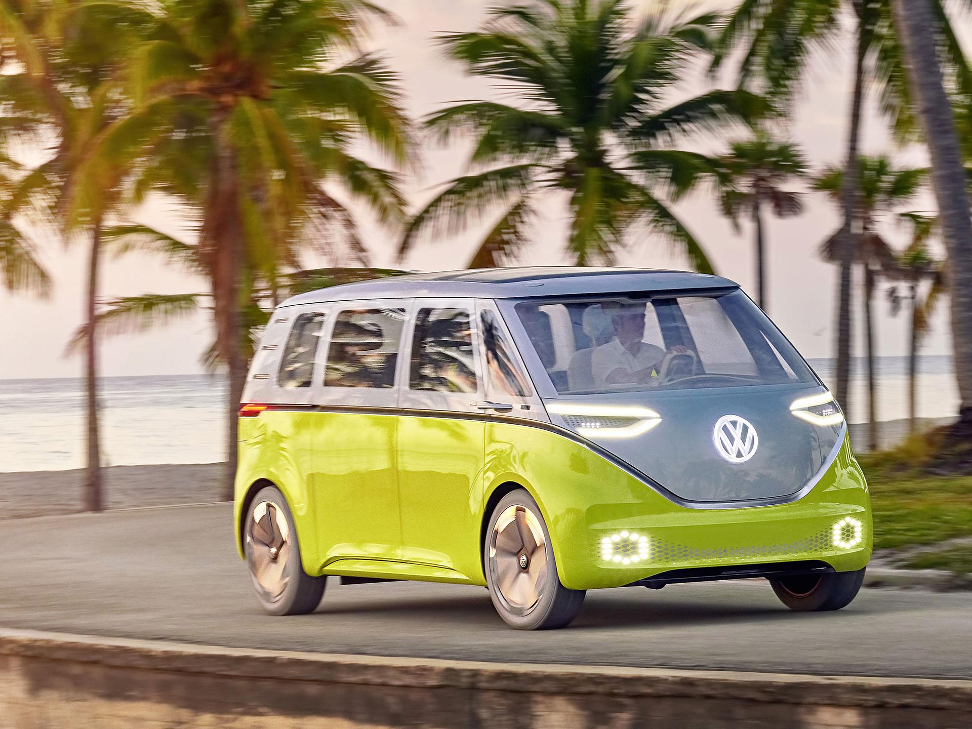 Presentado en el Autoshow de Detroit, ése término posee las luces y el logotipo integrados a la carrocería, iluminados por LED. Foto: Volkswagen