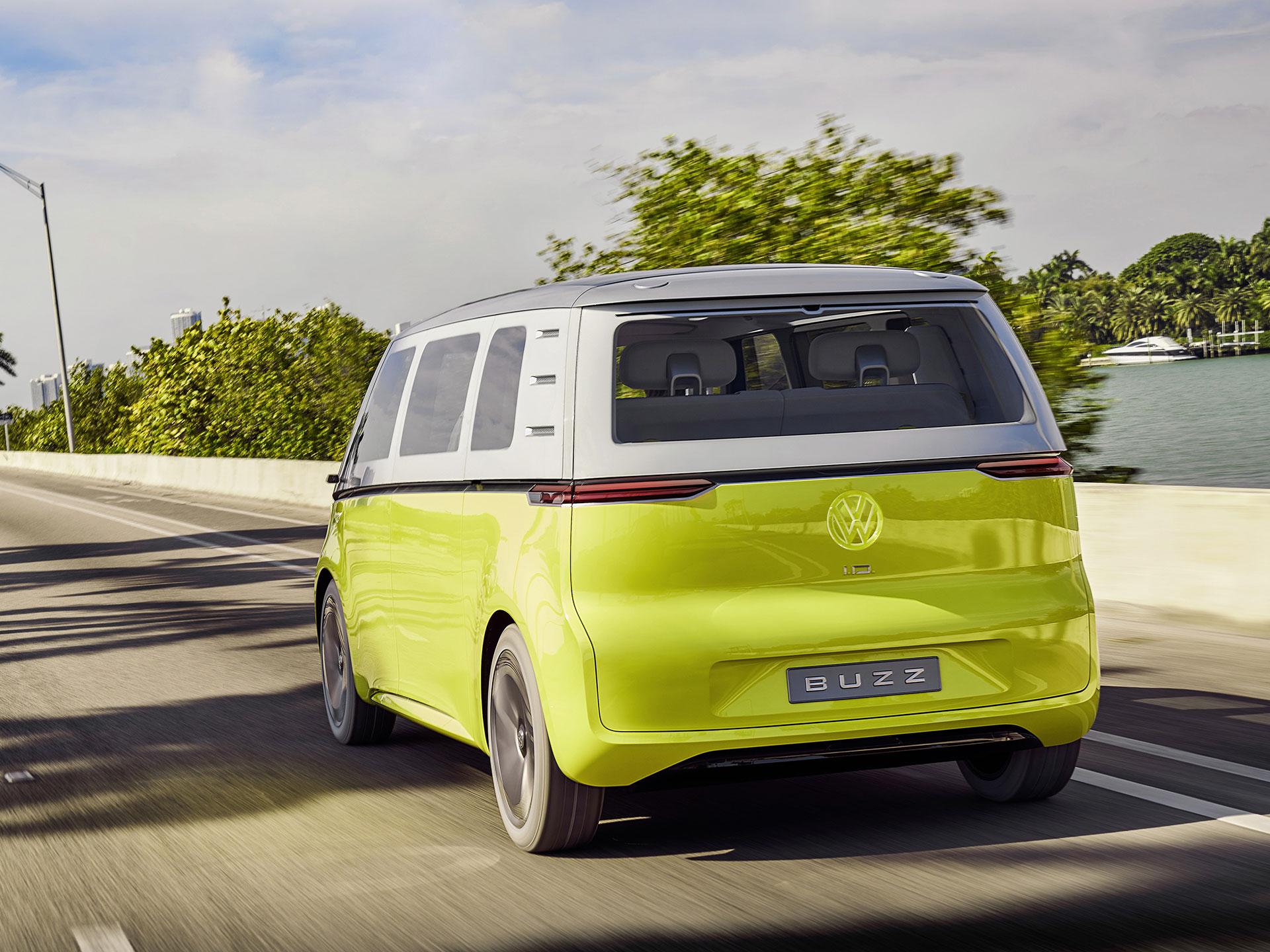 La parte trasera es prácticamente idéntica a la Combi de los sesenta. Foto: Volkswagen