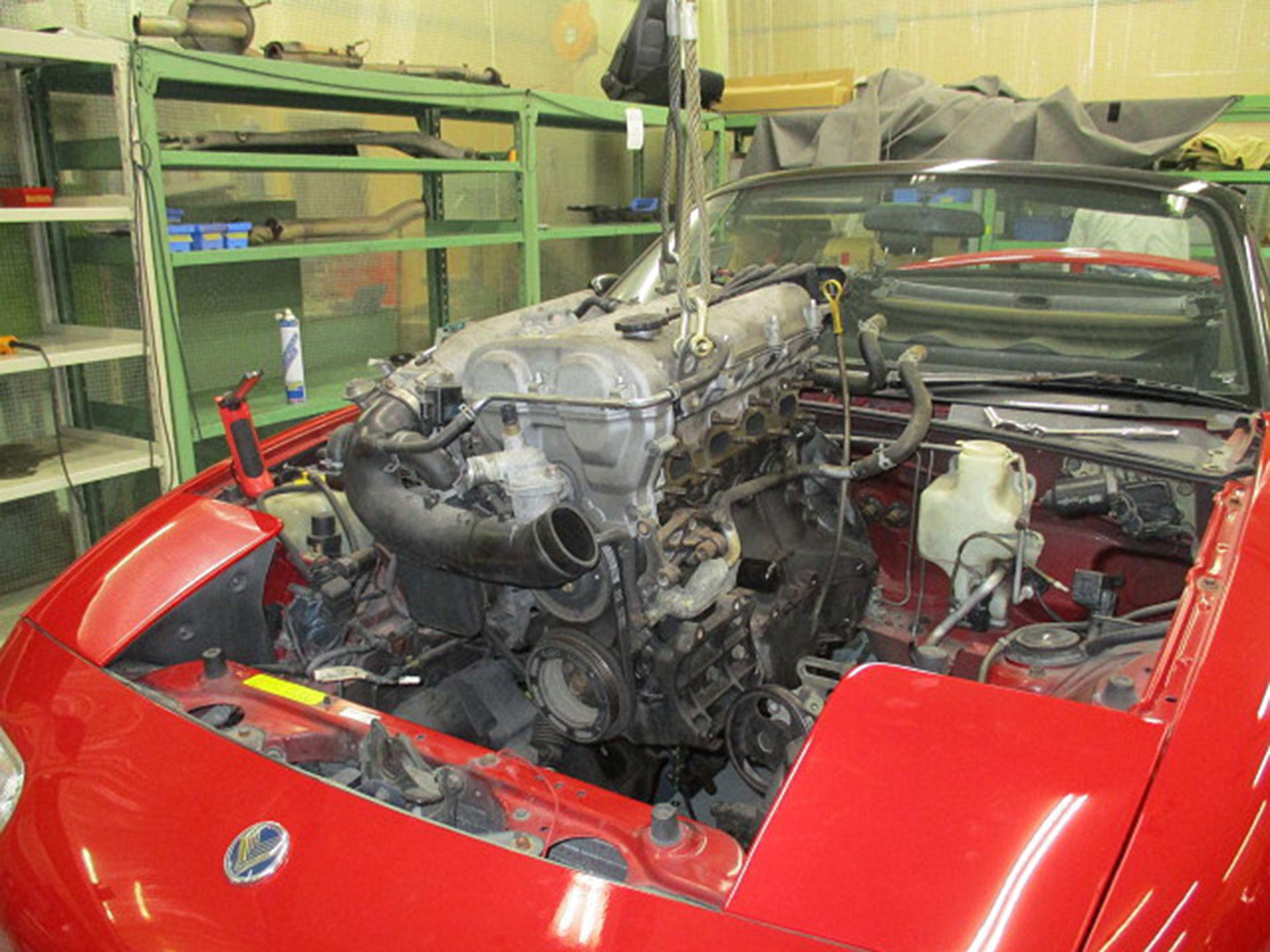 Para colocar a punto el taller de restauración, se hizo un trabajo experimental en 001 de los primeros modelos, vendidos en Japón. Foto: Mazda