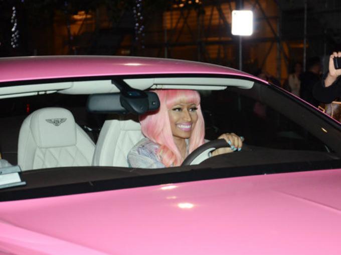 Nicki Minaj Y Sus Autos Atracci 243 N360