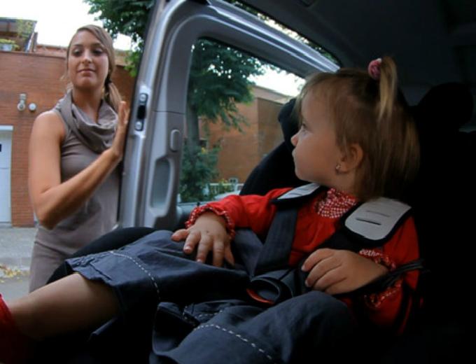 La seguridad de un ni o es primero atraccion360 for Sillas para 2 ninos diferente edad