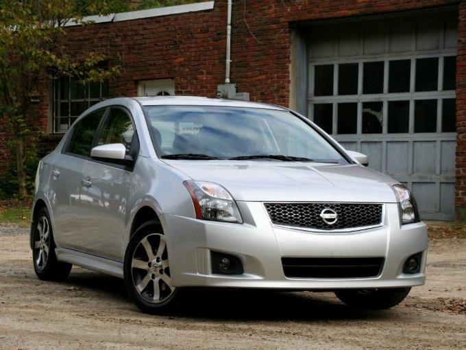 Nissan, con el Sentra se coloca en la sexta posición de los diez más vendidos en México, al colocar ocho mil  400 unidades durante el periodo de enero a marzo, con 3.4 por ciento de la cobertura total en ventas nacionales. Foto: Flickr