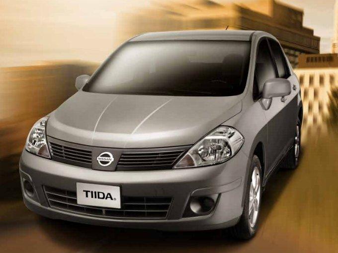 En la octava posición se coloca el compacto Tiida de Nissan con seis mil  581 unidades vendidas durante enero a marzo de este año, con una participación del 2.7 por ciento del mercado  mexicano.  Foto: Nissan