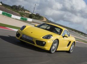 Porsche Cayman S acepta el desafío de ser el mejor