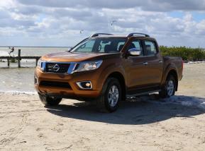 Nissan NP300 Frontier 2015 Catalogo en México