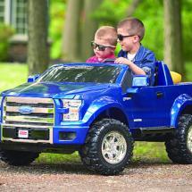 Consejos para cuidar el coche montable de tu hijo