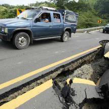 Lo que debes hacer en caso de sismo mientras manejas