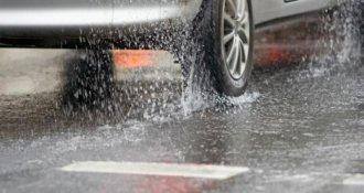 Los errores más comunes que cometes al manejar en lluvia