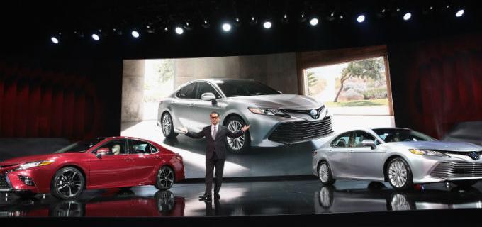 Toyota sorprende a todos en Detroit con la carismática presentación del Camry