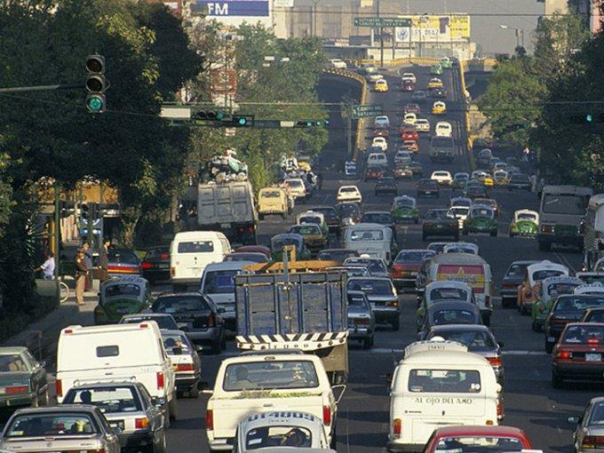 Este programa se hizo en 1990 para poder contener los niveles de polución en el Valle de México. Foto: Flickr