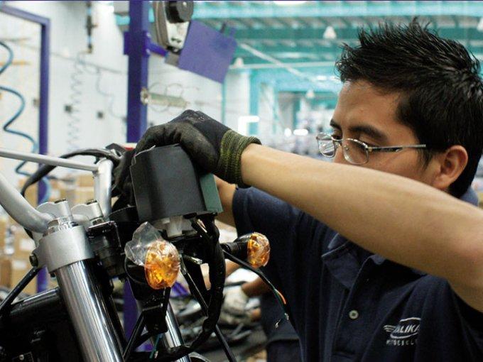 Con la nueva línea de producción se produjeron doscientos nuevos empleos. Foto: Italika