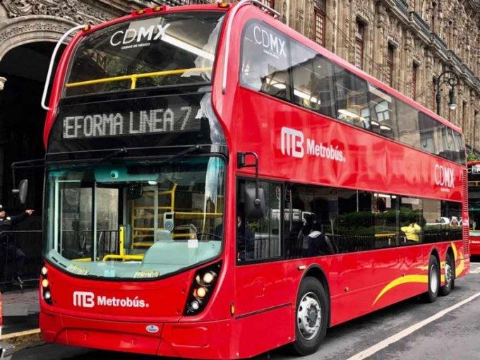 Presentan buses de doble apartamento que correrán en L7 Metrobús