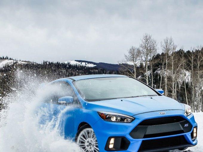 El Ford Focus RS es el único que usa éste tipo de tracción con fines de entretenimiento. Foto: Ford