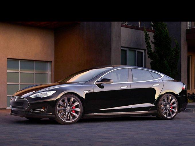 Los propietarios de Tesla prosiguen probando por qué aman los coches eléctricos de la compañía estadunidense. Foto: Tesla
