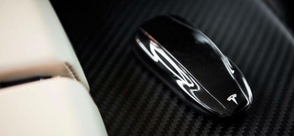 La extraña llave del Tesla Model S
